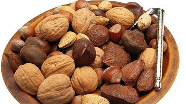 Muốn giảm cholesterol trong máu, ăn các loại hạt tốt hơn dùng thuốc