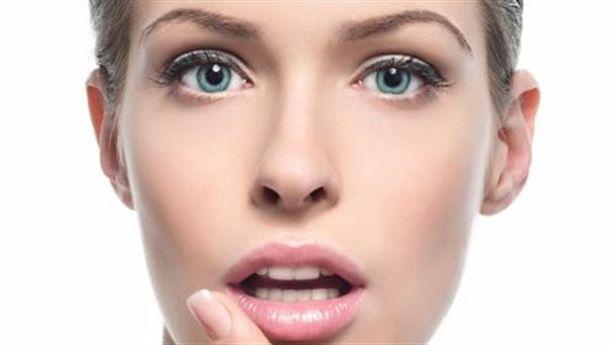 8 cách tự nhiên giúp làn môi hồng hào