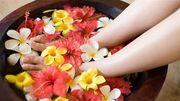 10 phút ngâm chân mỗi ngày chữa từ yếu sinh lý đến mất ngủ