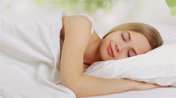 Làm đẹp da bằng cách dành thời gian trong phòng ngủ