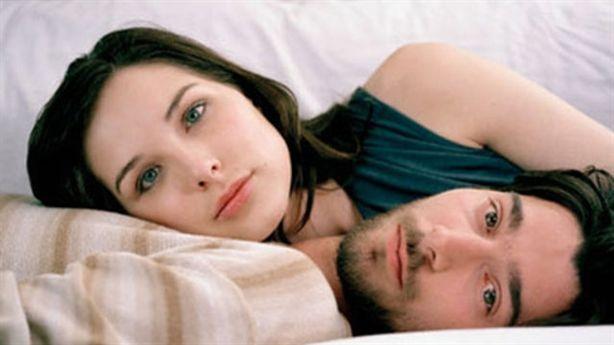 7 điều lạ lùng chỉ vợ chồng sống lâu năm với nhau mới làm