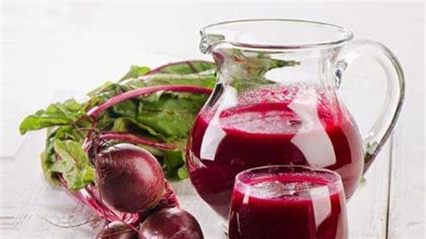 Mỗi ngày 1 cốc nước ép củ dền, không còn lo tăng huyết áp