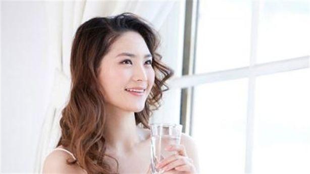 4 bước uống nước giúp bạn tránh xa táo bón và tiểu đường