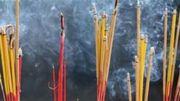 Khói hương/nhang có thể gây độc hơn cả thuốc lá