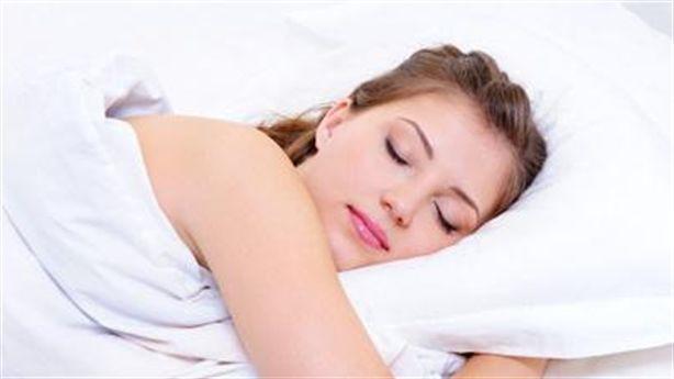 Những lợi ích không ngờ của việc ngủ nude