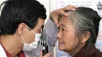 Những căn bệnh về mắt nguy hiểm nhất ở người già