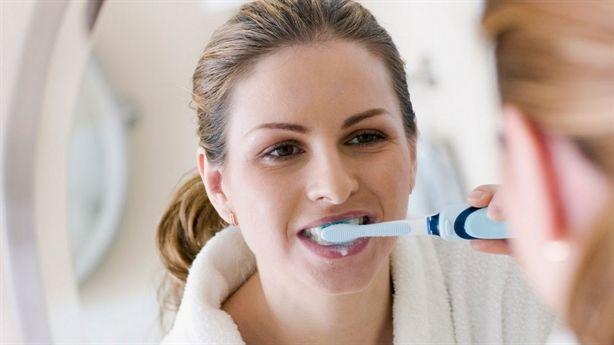 Bất ngờ: đánh răng sau khi ngủ dậy là một việc làm phản khoa học