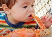 Trẻ sơ sinh thiếu canxi mẹ nên ăn gì để bổ sung?