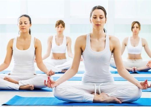 Chữa khỏi cao huyết áp nhờ tập thiền, yoga và hít thở?