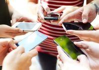 Bức xạ từ điện thoại di động dẫn đến bệnh ung thư có thật hay không?