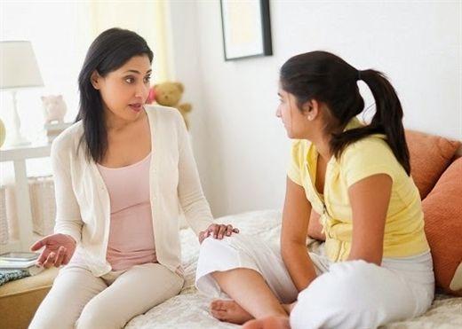 Phụ huynh nên làm gì khi con trẻ yêu sớm?