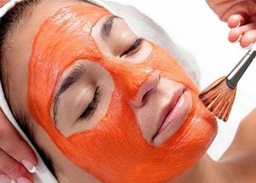 Đắp mặt nạ cà chua da căng bóng mịn màng chuẩn Hàn