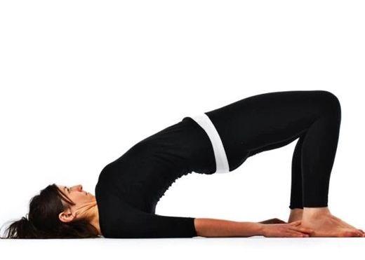 7 động tác YOGA giúp bạn ngủ ngon hơn