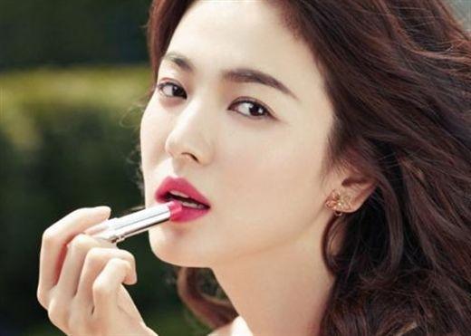 Bí mật sau nhan sắc của 'nữ hoàng không tuổi' Song Hye Kyo