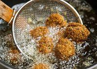 Tránh nguy cơ mắc bệnh ung thư, tuyệt đối không hâm lại những thực phẩm này trong dịp Tết