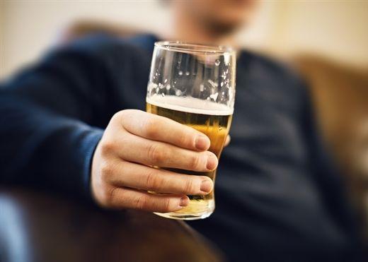 Mẹo uống bia rượu 'ngàn chén không say' cho phái mạnh