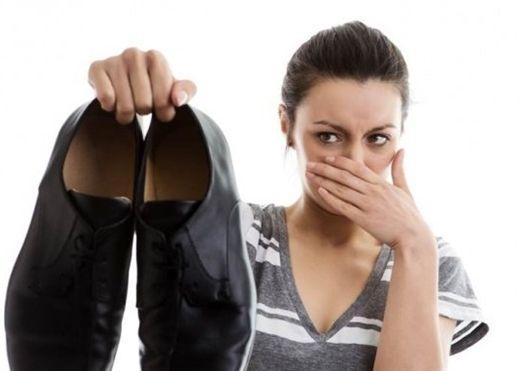 Loại bỏ mùi hôi chân hiệu quả bằng những mẹo đơn giản từ nguyên liệu thiên nhiên
