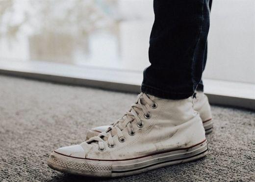 Những mẹo giặt giày trắng siêu sạch và hiệu quả bạn có thể tự làm tại nhà