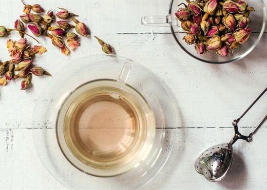 Lợi ích và công dụng của trà hoa hồng đối với sức khỏe có thể bạn chưa biết