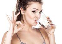 Uống nước xong thấy những dấu hiệu này, chứng tỏ sức khỏe đang gặp vấn đề