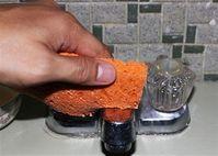 Mẹo làm sạch mọi đồ dùng trong nhà tắm trong vài phút, ai cũng làm được