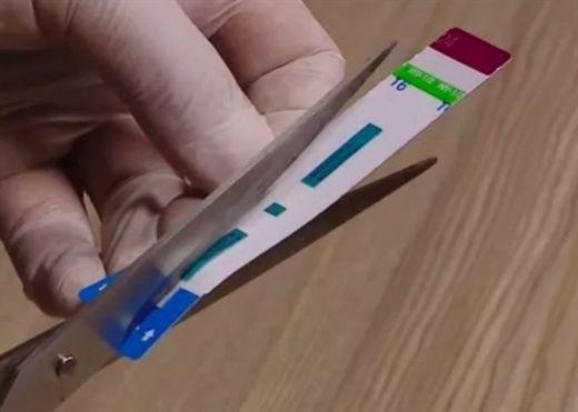 Que thử HIV, viêm gan B bị cắt trước khi làm xét nghiệm