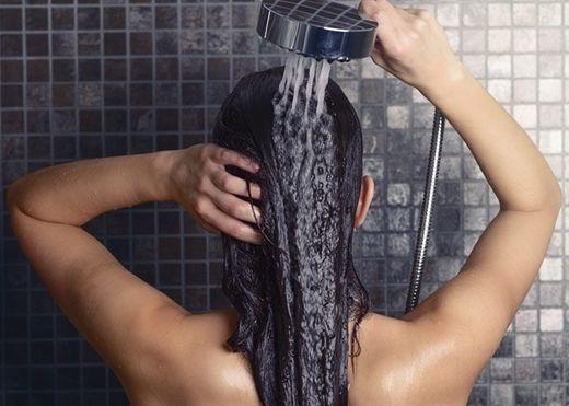 Bỏ túi ngay 6 bí kíp chăm sóc tóc khi đi du lịch