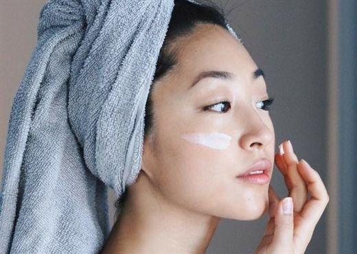 """4 phương pháp giúp bạn nâng cấp hiệu quả quy trình dưỡng da trong """"mùa cách ly"""""""