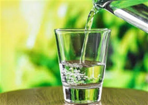 Vì sao chúng ta nên bắt đầu ngày mới với một cốc nước ấm?