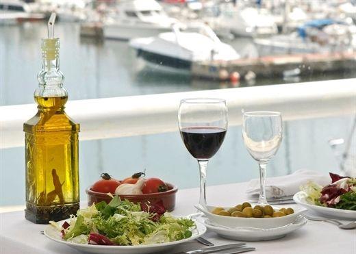 Chế độ ăn Địa Trung Hải giúp giảm nguy cơ mắc bệnh tiểu đường đối với phụ nữ thừa cân