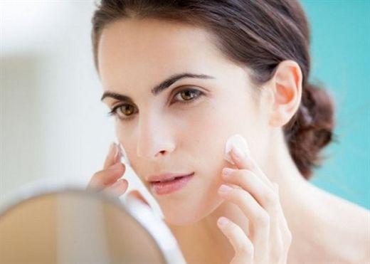 Thuộc lòng 5 cách chăm da mặt để da luôn mượt mịn, bất chấp tiết trời mùa đông
