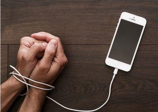 Hãy cai nghiện các thiết bị điện tử thông minh ngay hôm nay, vì nó có thể là ''thủ phạm'' đằng sau 3 cơn đau phổ biến này đây