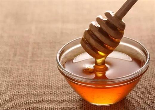 Mật ong giúp thanh lọc cơ thể, giảm cân và làm đẹp da nhưng chớ có lạm dụng