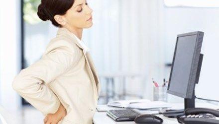 6 bài thuốc trị đau lưng từ cây nhà lá vườn, dân văn phòng nên áp dụng