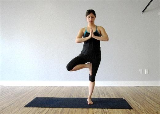 4 động tác yoga giúp giảm béo bụng