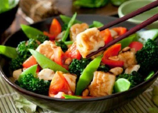 Khi bạn ăn chay, nếu thấy những dấu hiệu sau bạn nên dừng ăn ngay