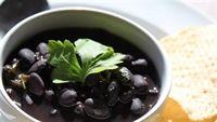 Làm đẹp bất ngờ với 6 loại thực phẩm màu đen