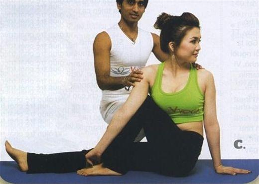 4 động tác yoga đơn giản nhất giúp bạn cải thiện sức khỏe và sắc đẹp