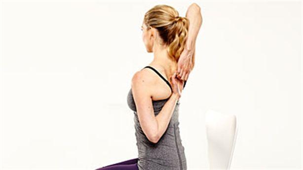 Yoga ngay tại bàn làm việc: tại sao không?