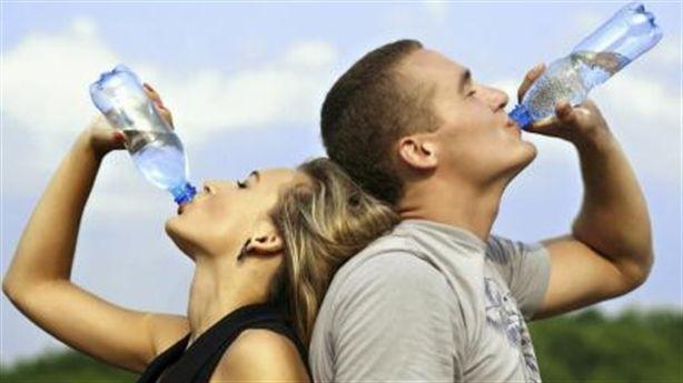 4 cách xoa dịu cơn đau đầu trong mùa hè nắng nóng
