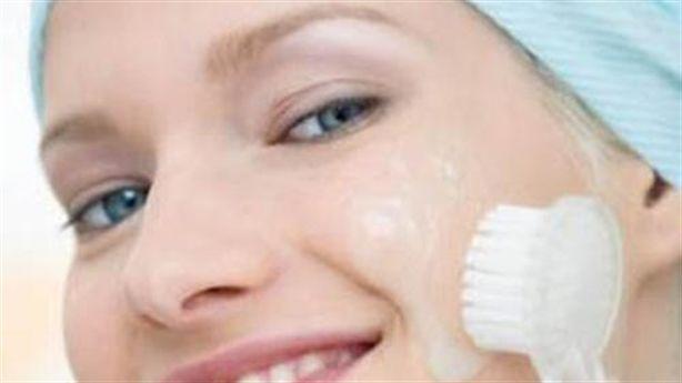 3 cách làm đẹp cực hay với bàn chải đánh răng