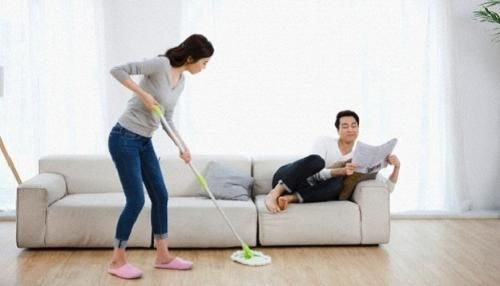 Chồng ơi vợ mệt quá rồi! Hãy giúp vợ làm việc nhà đi