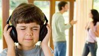 Mẹo giúp con bạn vượt qua biến cố ly hôn