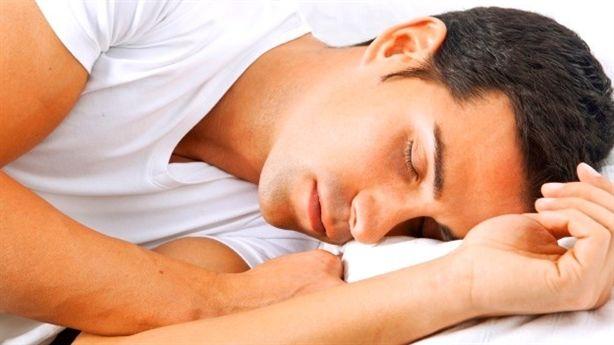 Lợi ích khó ngờ khi ngủ với tư thế nghiêng về bên trái
