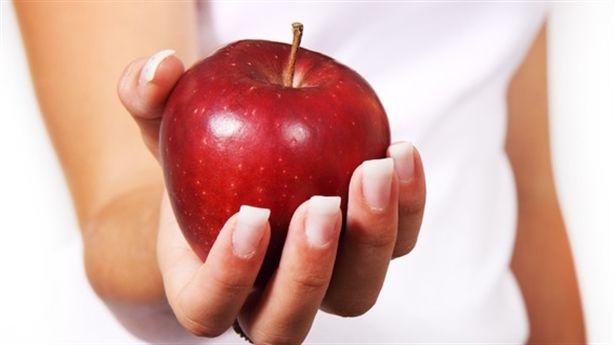 Lợi ích vô vàn khi thay 1 điếu thuốc bằng 1 quả táo