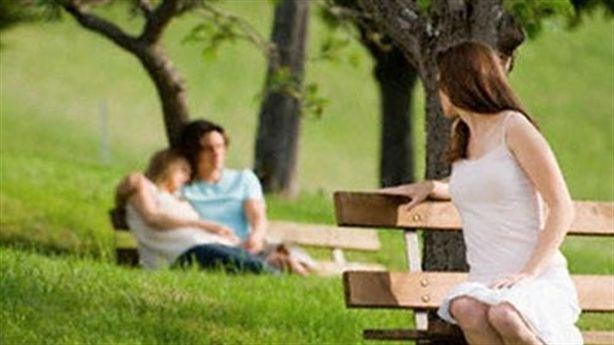 Đừng để bị ám ảnh, sợ hãi chồng ngoại tình