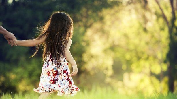 9 điều tuyệt vời cha mẹ nên dạy con gái