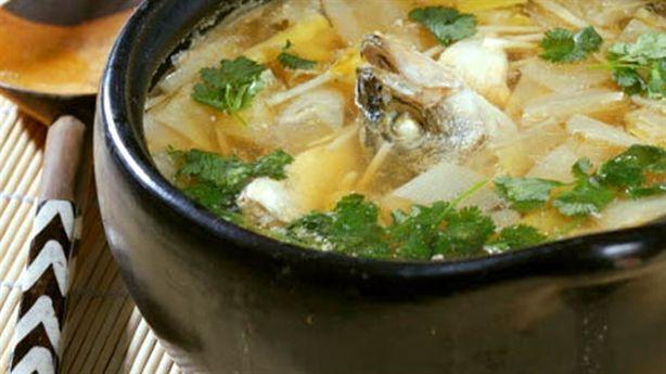 Cách làm món canh cá nấu nấm bồi bổ trí não
