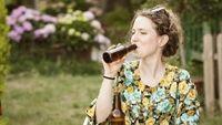 Uống bia tốt cho phụ nữ trung niên