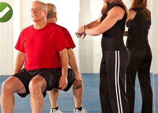 Tập 4 động tác sau để nhanh chóng giúp giảm đau thắt lưng, cột sống